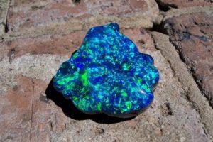 рядък опал черен история бижута жени естествени камъни