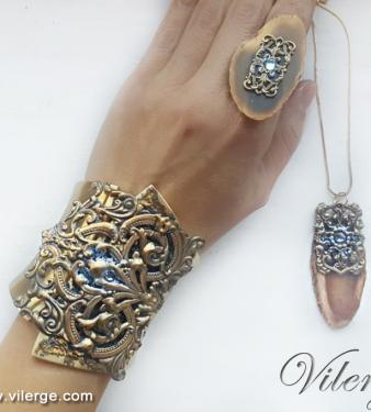 винтидж колиета за 8 март стилни пръстени модни гривни за празник