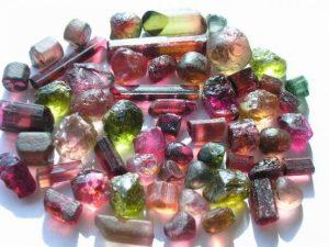 Естествен камък Турмалин свойства минерал бижута