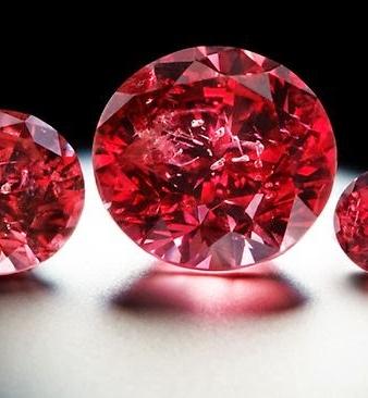 Скъпоценни и полускъпоценни камъни бижута за жени