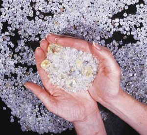 Скъпоценни и полускъпоценни камъни лечебно въздейсвие свойства