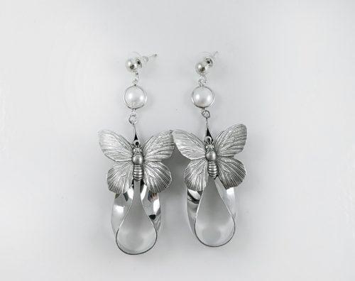 За празника на влюбените сребърна колекция обеци