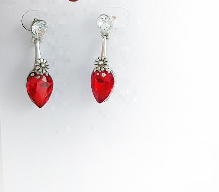 Магични обеци за Свети Валентин от серия Любов за жените през 14 февруари