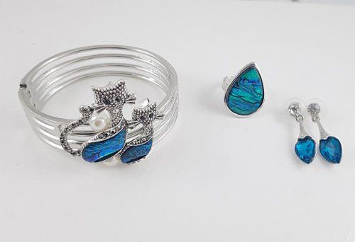 СТИЛНИ БИЖУТА ЗА БАЛ - модна колекция гривни и пръстени за абитуриенти