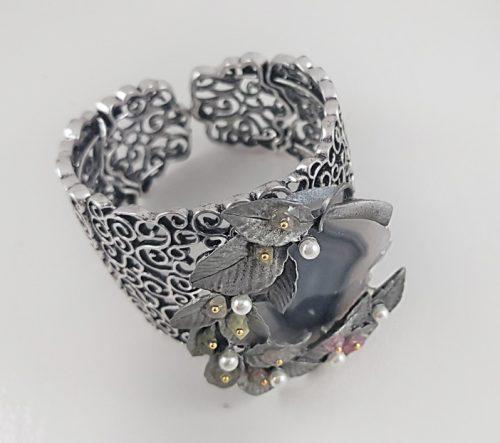МОДНИ ГРИВНИ ЗА БАЛОВЕ и още дизайнерски бижута с естествени камъни