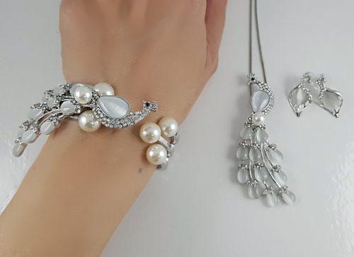 БИЖУТА С ПЕРЛИ ЗА БАЛ - сребърна серия гривни и колиета за абитуриенти